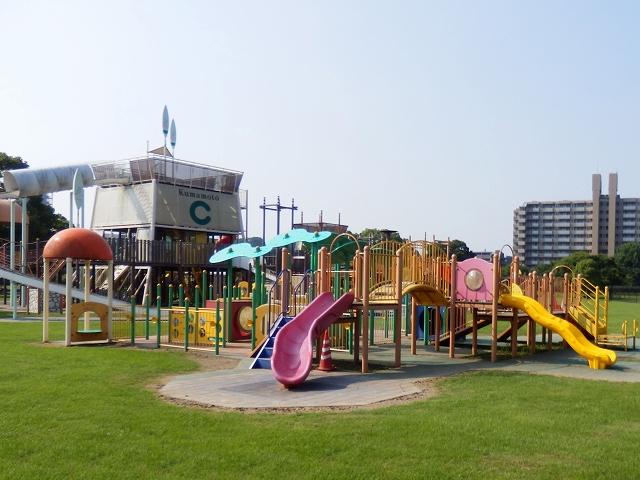 ある 遊具 が 公園 たくさん